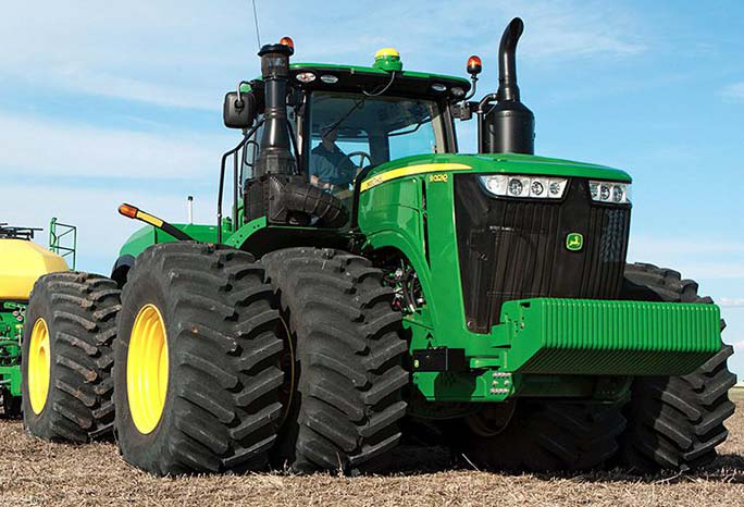 Service equipment for repair of tractors and combines