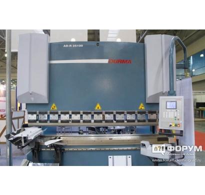 Гибка металла на гидравлическом листосгибочному прессе Durma AD-R 25100
