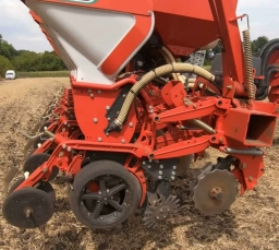 Video review of the row cleaner for Kverneland Optima seeder