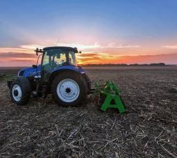 Испытание катка измельчителя 2-х рядного шириной захвата 3м в поле по остаткам кукурузы