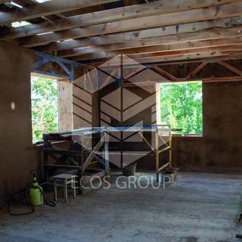 Компанія Avers-Agro спільно з ECOS GROUP побудували перший у Вінниці екобудинок з солом'яних панелей. -
